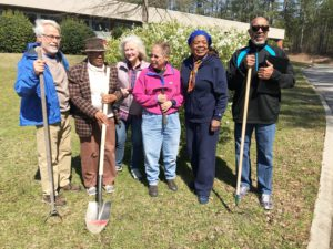 Cover photo for New Master Gardener Volunteer Class Begins August 22